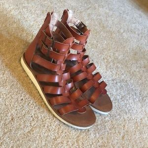Size 81/2 Mossimo sandals (Target)